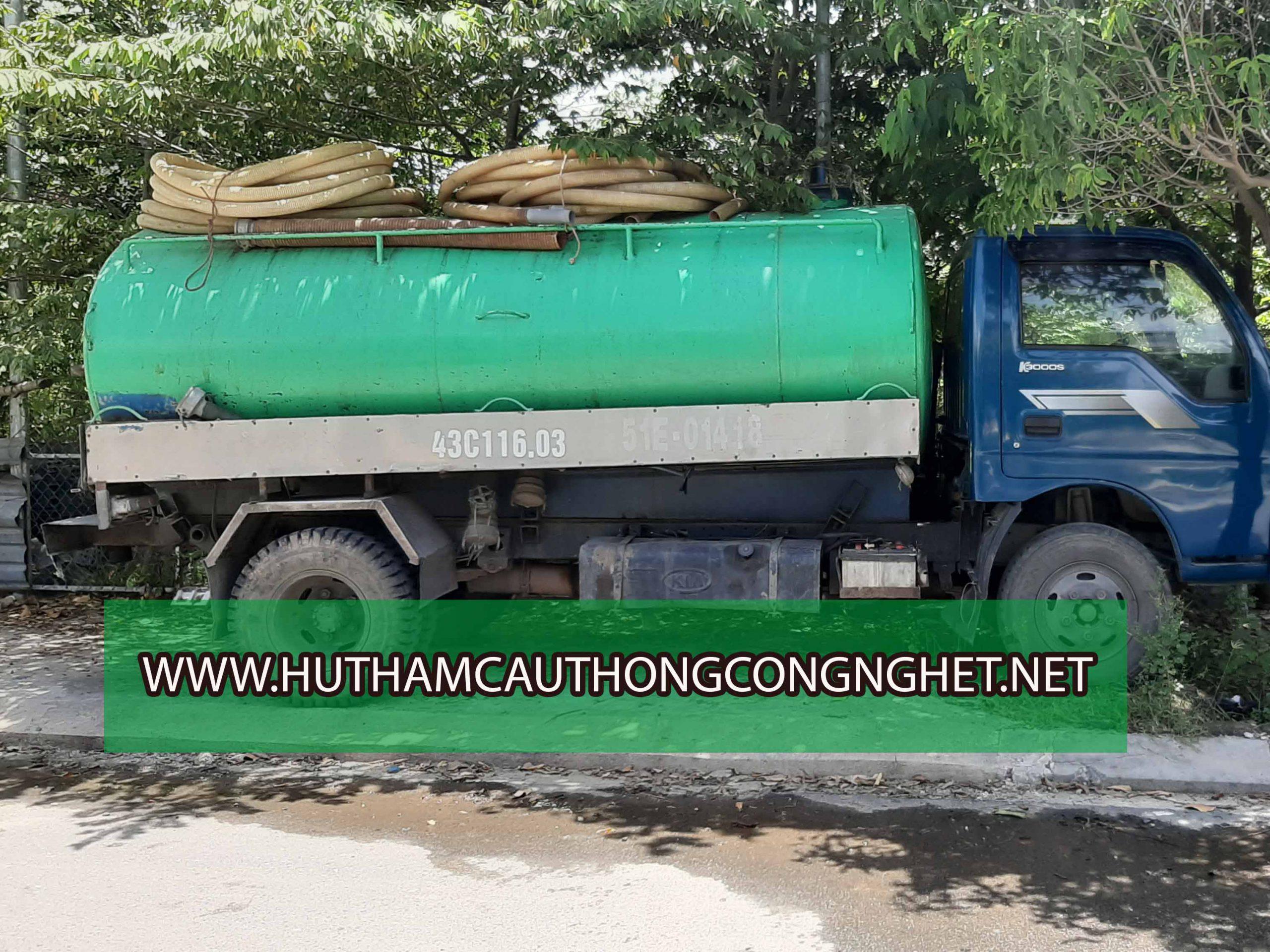 Xe chuyên dùng phục vụ hút hầm cầu Ngũ Hành Sơn